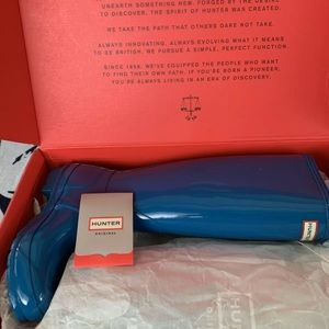 Hunter rain boots blue NWT